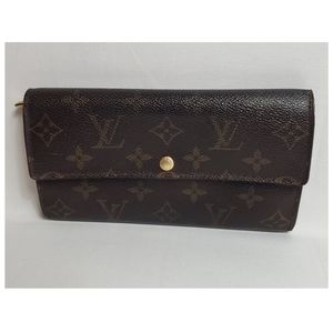 Authentic Preowned LV Sarah Wallet